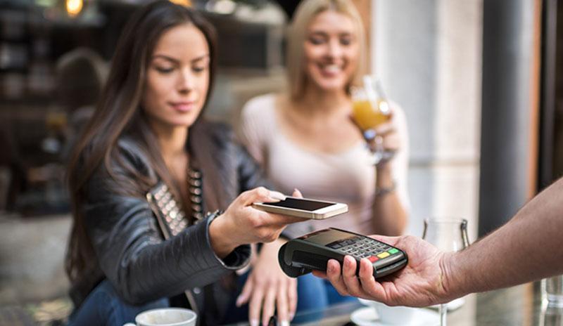 Kundin bezahlt mit Payapp